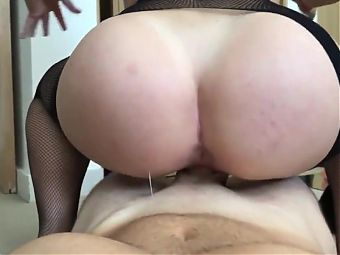 Great ass Cowgirl POV