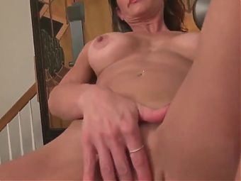 big dick naughty milf with big juicy pussy lips loves to wor