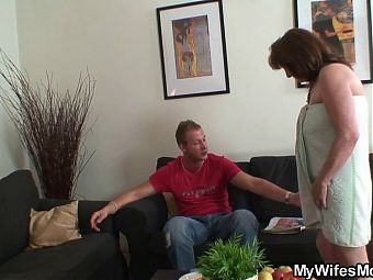 Girl finds very old mom and boyfriend taboo sex