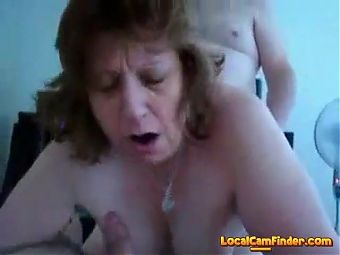 Wife has doggystyle threesome