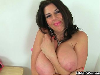 British milfs Sam and Lulu Lush need getting off
